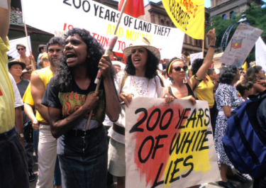 032613-global-australia-Aborigines-protest